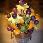 Aranjament festiv din fructe