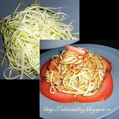 Spaghete de dovlecel cu sos de rosii