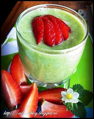 Smoothie de castravete cu avocado