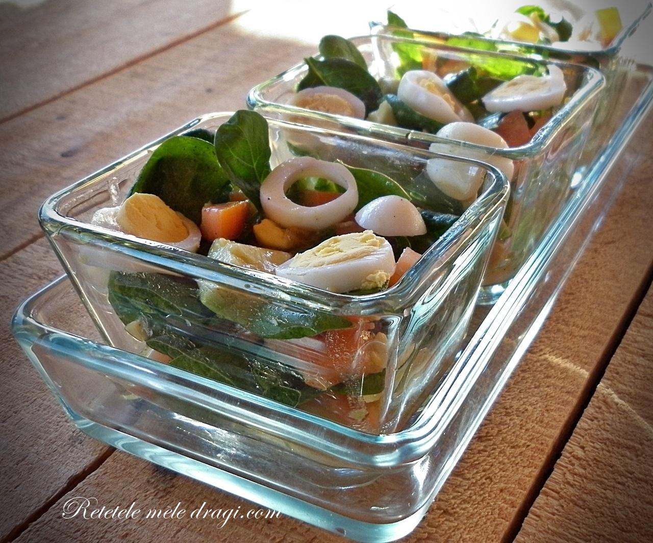 Salata de spanac cu oua de prepelita