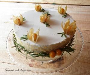 Tort cu crema catalana si iaurt