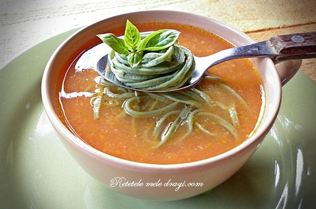 Supa de rosii cu dovleac si taietei de casa