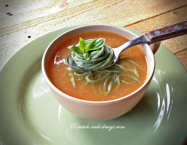 Supa de rosii cu dovleac si taietei