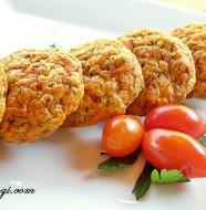 Chiftelute de somon cu legume