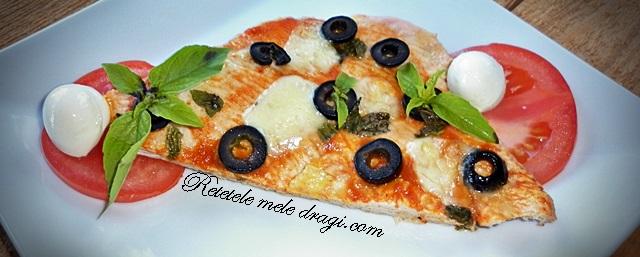 Pizza pe blat de curcan