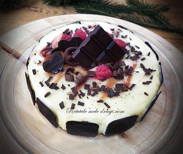 Tort cu ciocolata alba si zmeura