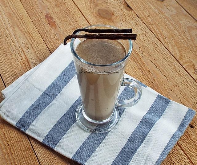 Lapte de canepa cu scortisoara si vanilie