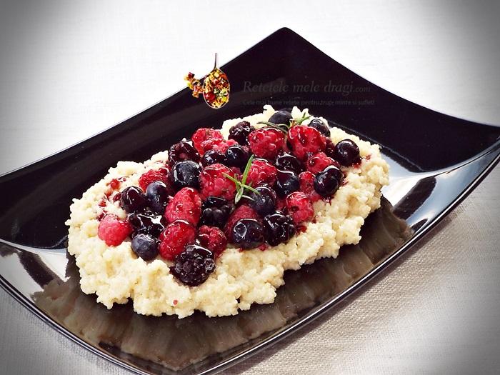 Cous cous cu fructe de padure