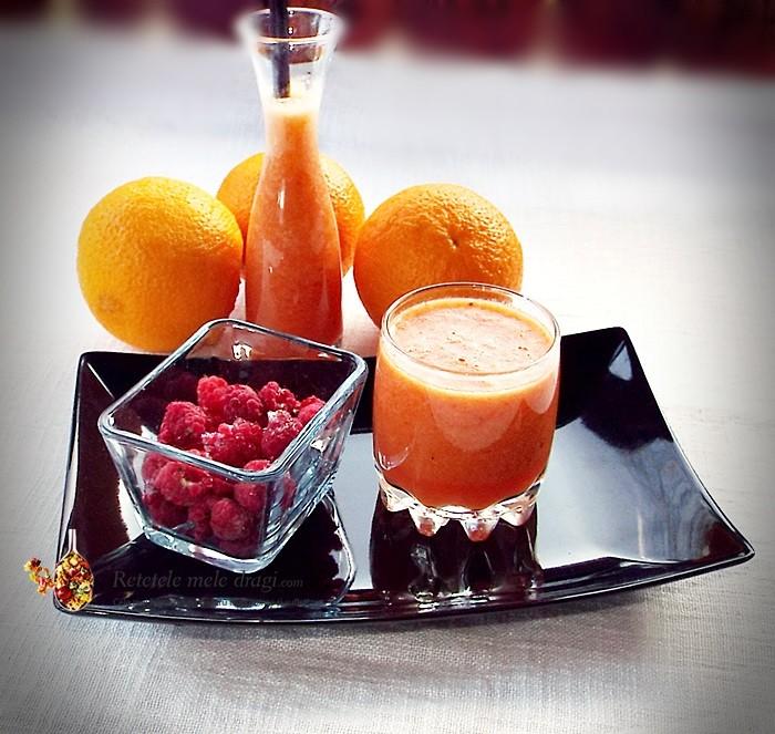 Smoothie de portocale, catina si zmeura