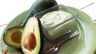Mousse de avocado cu iaurt