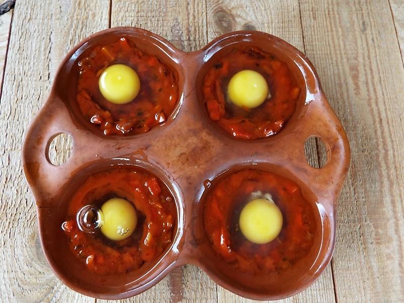 oua in purgatoriu shakshuka huevos rancheros1
