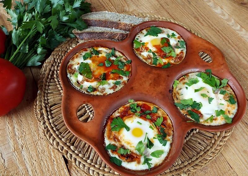 oua in purgatoriu shakshuka huevos rancheros2