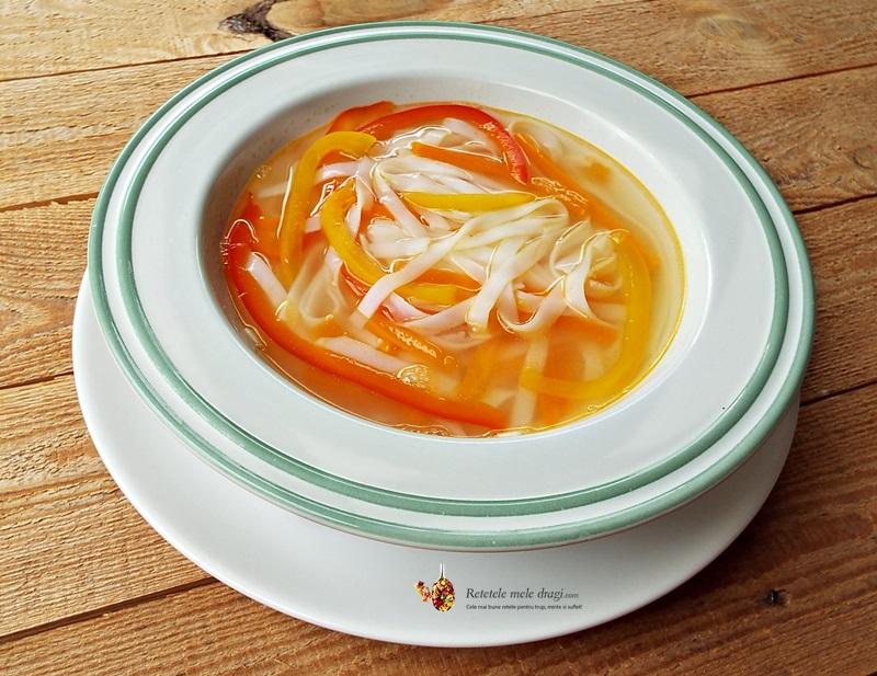 supa cu taietei de orez si legume