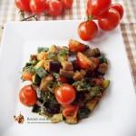 Avocado umplut cu salata asortata–Reteta Raw-Vegana