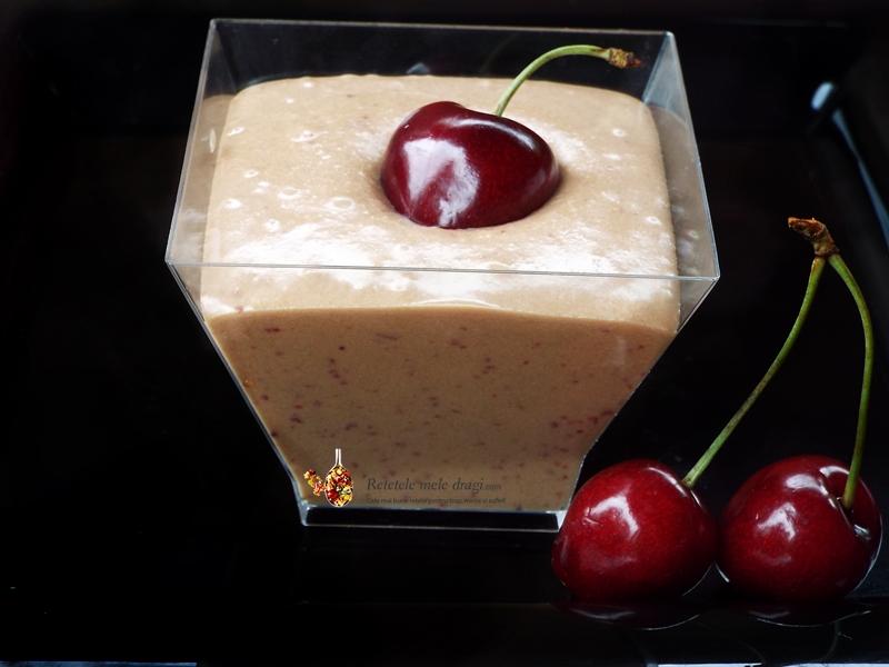 crema de branza dulce cu cirese
