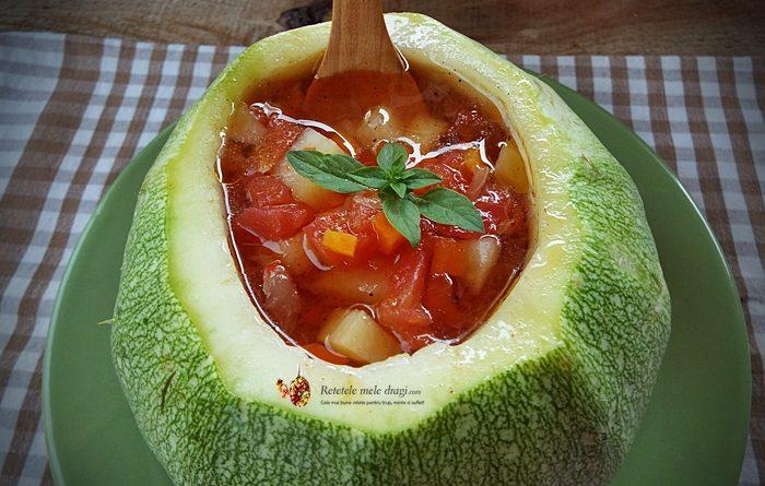 supa-greceasca-de-legume-in-bol-de-dovlecel-1