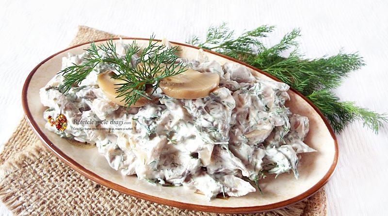salata de ciuperci cu smantana si marar