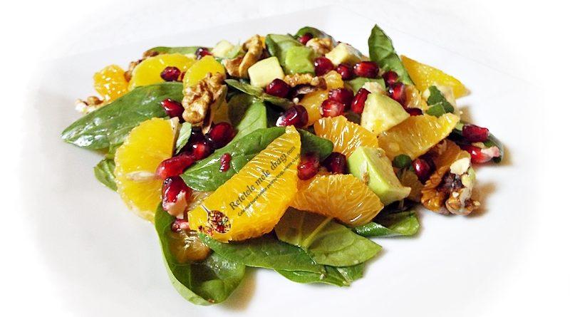 salata de spanac cu avocado, citrice si rodie 1