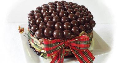 tort cu ciocolata si zmeura 2