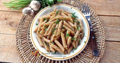 Paste integrale aglio, olio e peperoncino (cu ulei si usturoi)