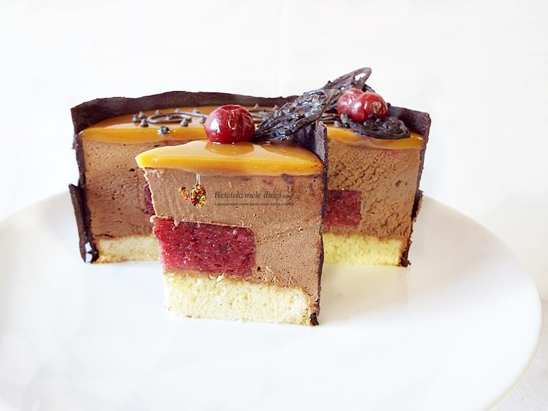 Tort Entremet cu ciocolata, visine si caramel 1
