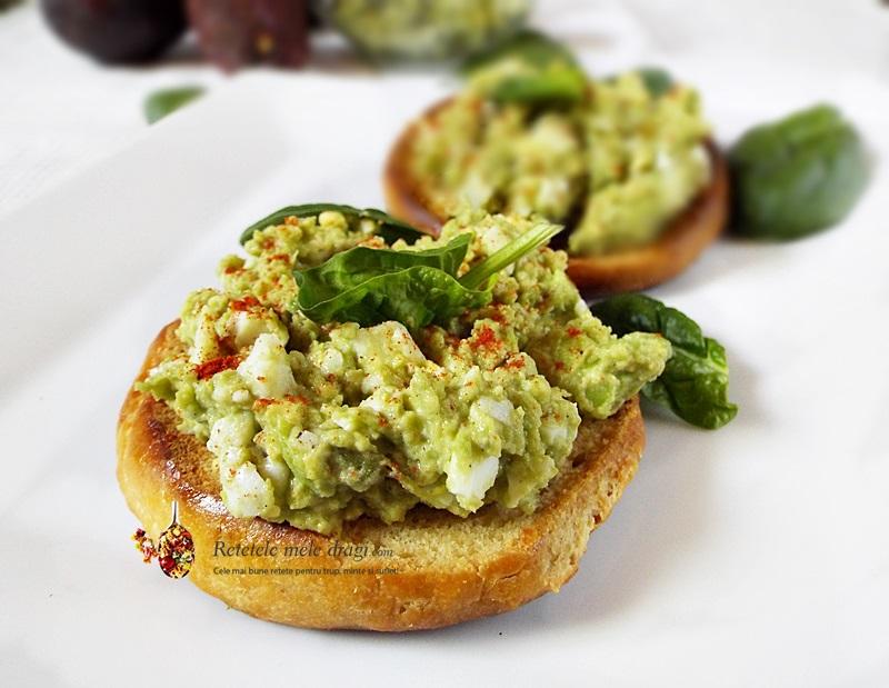 salata de avocado cu ou 1