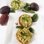 salata de avocado cu ou 2