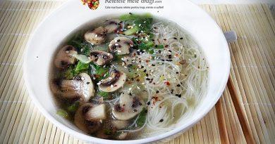 supa chinezeasca cu ciuperci si pak choi