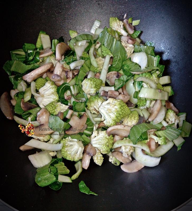 mancare rapida cu conopida Romanesco si Pak Choi la wok 1