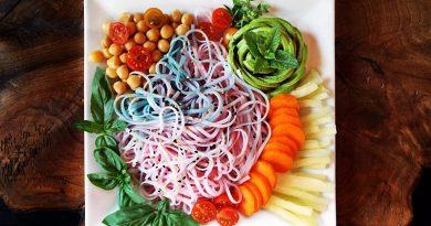 salata cu taietei de orez unicorn