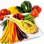 Salata de avocado cu branza brie si rodii