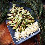 salata de avocado cu branza brie si rodii 1
