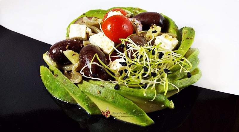 salata greceasca cu paste si avocado