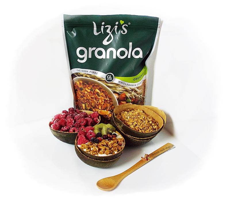 Mic dejun cu iaurt si granola cu unt de arahide 1