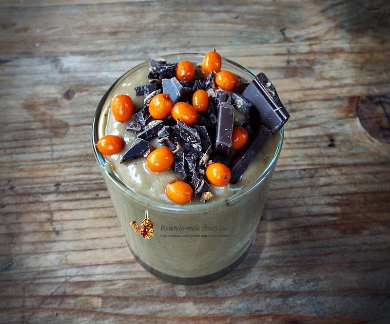 mousse de avocado cu cacao fara zahar