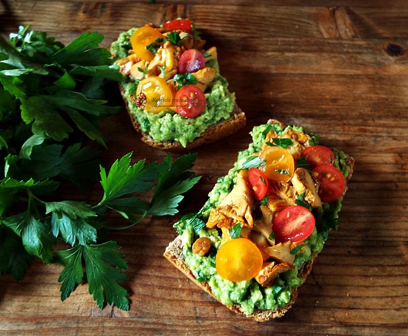 mic dejun cu avocado si ciuperci galbiori 1