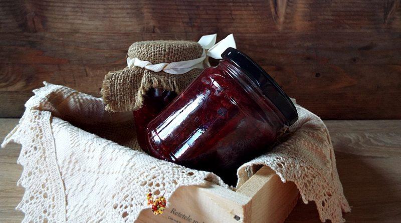 Salata de sfecla rosie cu hrean la borcan 1
