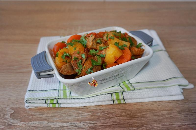 gulas de porc cu legume in multicooker