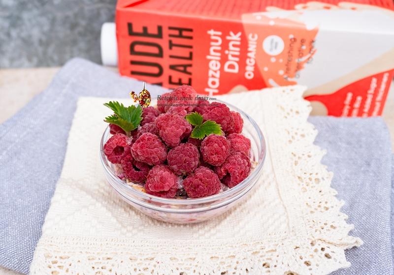 Porridge cu zmeura si trandafiri 1