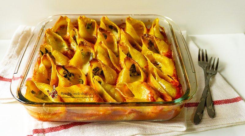 """Conchiglioni-paste """"scoici"""" uriașe umplute cu spanac și brânză"""