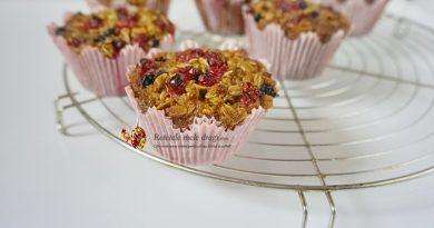 Muffins cu dulceata de casa si fulgi de ovaz