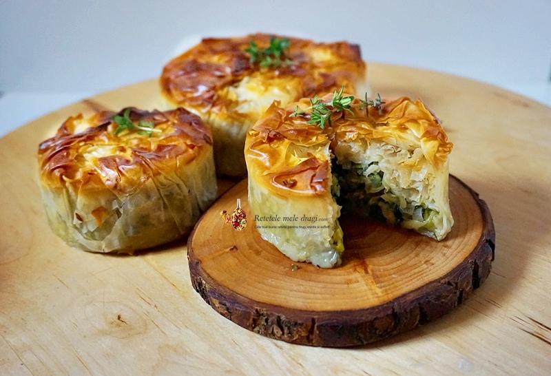 Plăcintă vegană cu dovlecel și praz, în stil grecesc