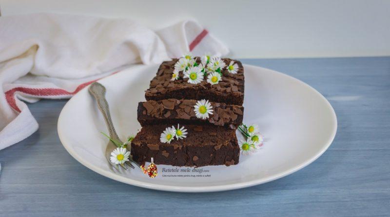 Prajitură din albușuri și ciocolată neagră
