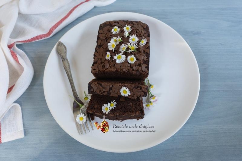 Prajitură din albușuri și ciocolată neagră 1