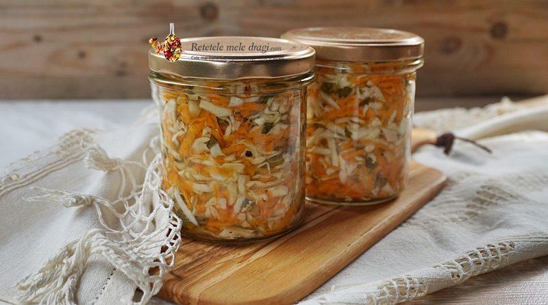 Salata de varza cu morcov la borcan pentru iarna