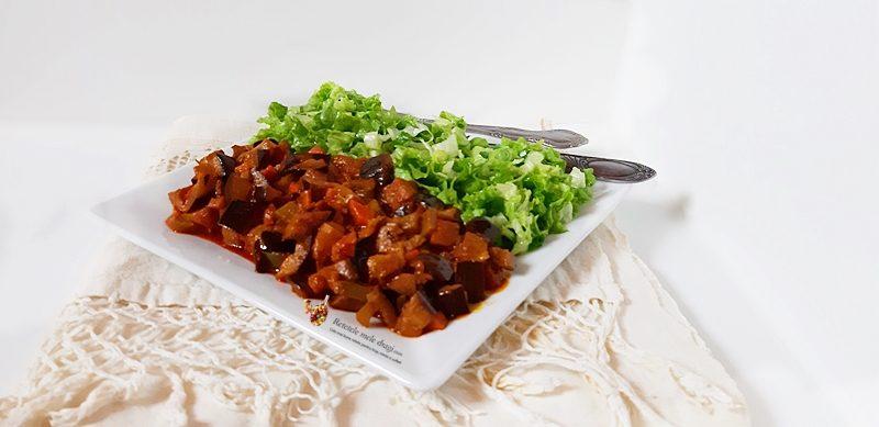 Legume în vin roșu la wok