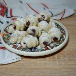 Platou cu aperitive festive de Craciun si Revelion