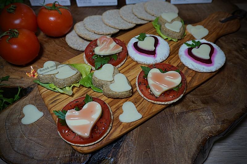3 aperitive rapide cu crackers pentru Ziua Indragostitilor 2