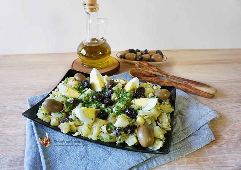 Salata de cartofi cu oua si masline 2