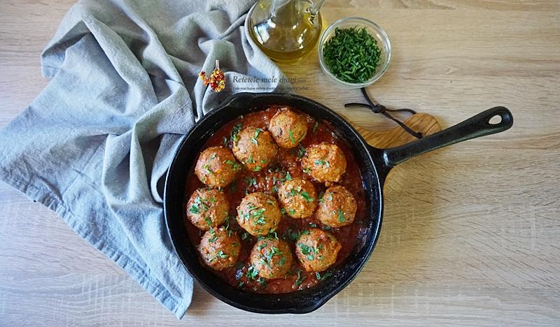 Chiftelute de naut cu ciuperci in sos de rosii 1
